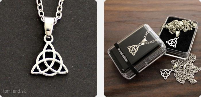 Malý strieborný keltský amulet Trinity na retiazke.