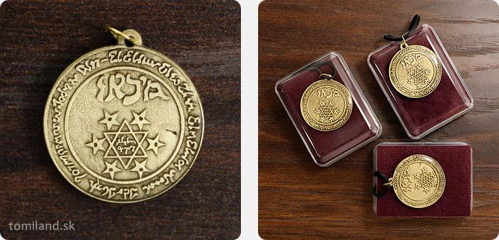 Okrúhly amulet anjela Michaela.