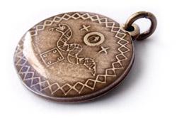 Cigánsky amulet proti urieknutiu.