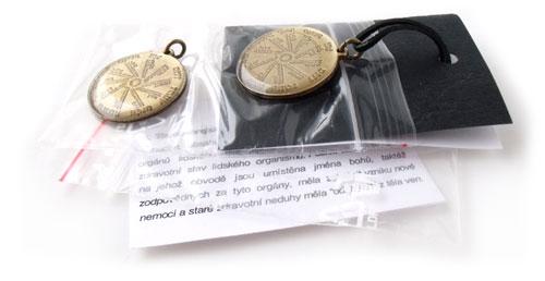 Amulety proti chorobám.